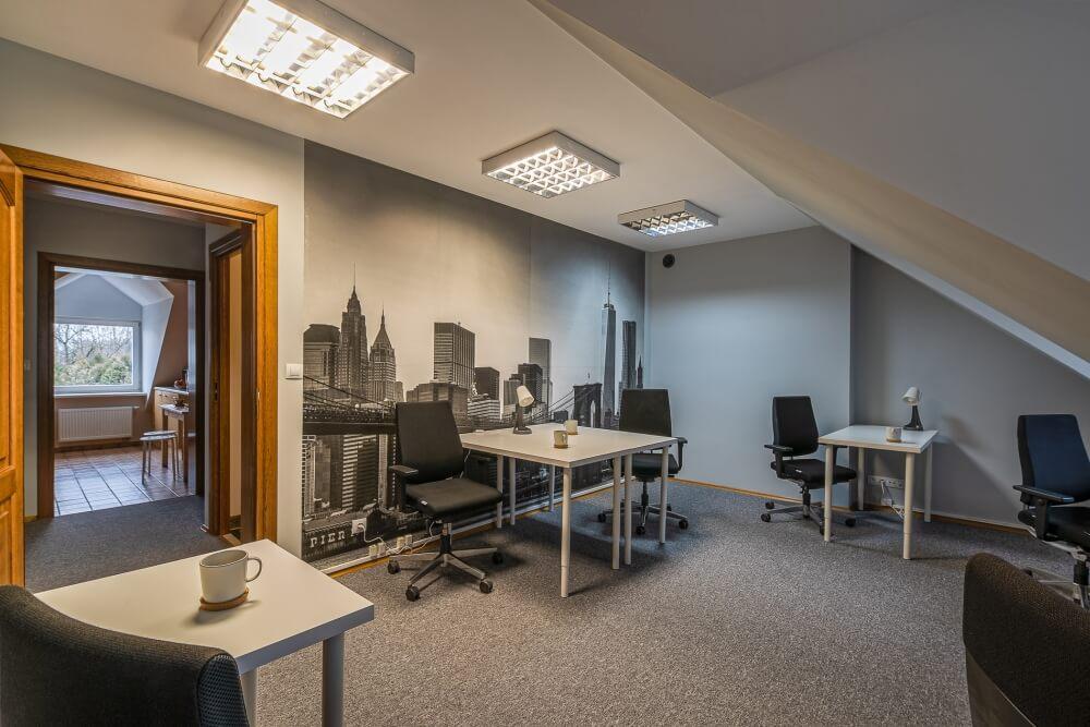 Obowiązkowe wyposażenie każdego biurka coworkingowego
