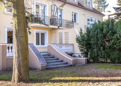 Warszawa, Saska Kępa biuro na wynajem - ogród